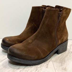 New! Naot Brown Women's Wander Ankle Boot